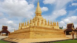 goldene Stupa Wat That Luang in Vientiane