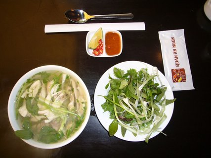 Pho Suppe traditionelles Streetfood in Vietnam Indochina